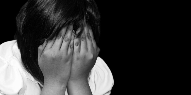 o-CRYING-GIRL-SILHOUETTE-facebook